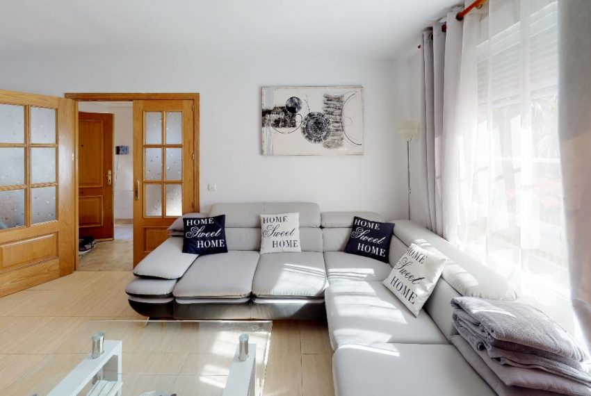 Chalet-Galapagar-Living-Room(1)
